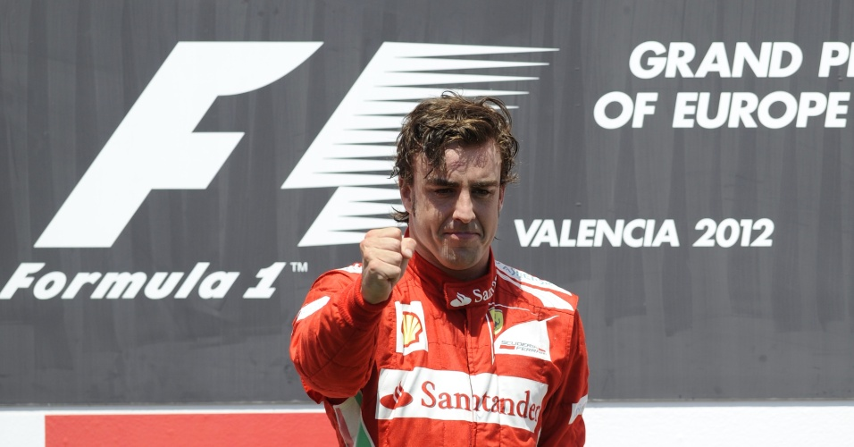 Fernando Alonso foi perfeito dirigindo e ainda contou com a sorte para vencer pela primeira vez em Valencia