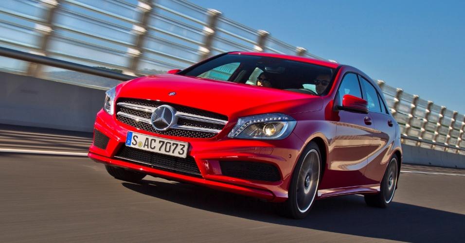 Outra meta do Classe A é fazer a marca crescer mais -- a Mercedes quer vender, até 2020, 2,5 milhões de carros por ano no mundo