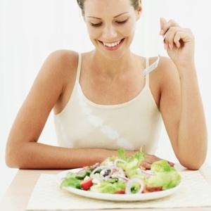 Adotada por muitas famosas, esse tipo de dieta tem como base alimentos desintoxicantes