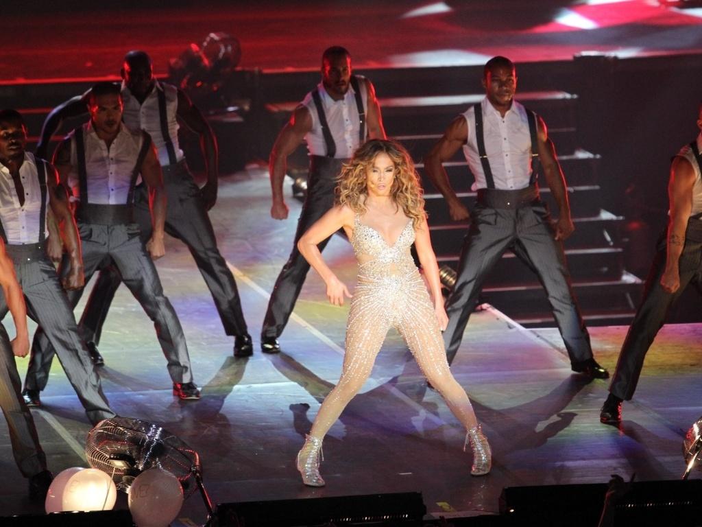 Jennifer Lopez se apresenta no Pop Music Festival 2012 em seu primeiro show no Rio (27/6/12)