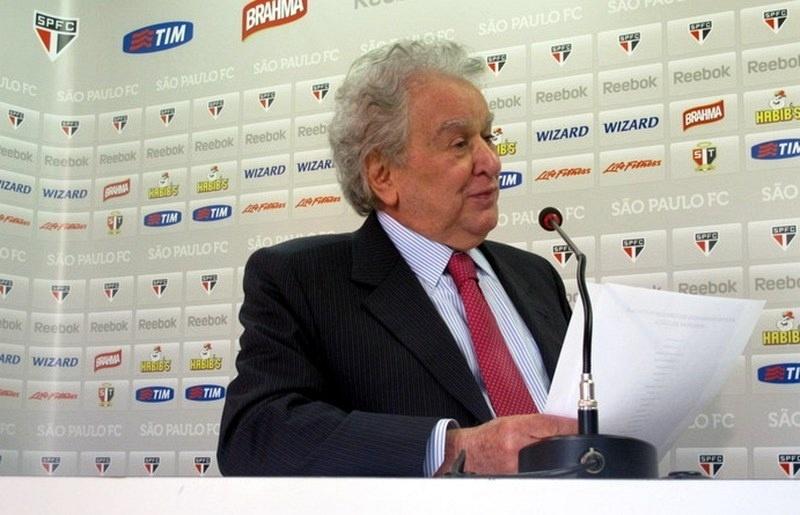Juvenal Juvêncio fala sobre a saída do técnico Emerson Leão no São Paulo (27/06/2012)