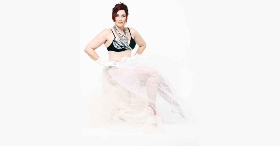 Monica Casareggio em ensaio plus size inspirado na cantora Madonna - 4