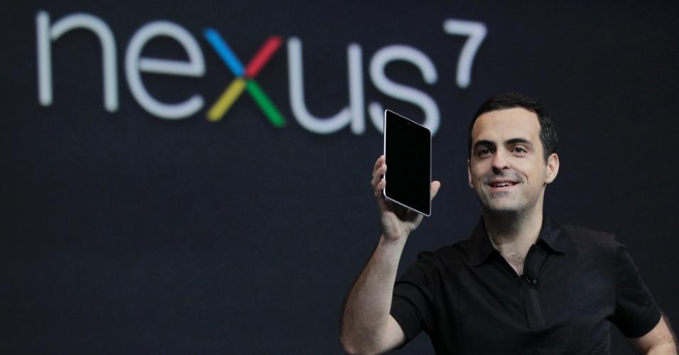 O brasileiro Hugo Barra, diretor de produtos do Google, apresenta o tablet Google Nexus 7 durante o Google I/O (evento da empresa que reúne desenvolvedores)