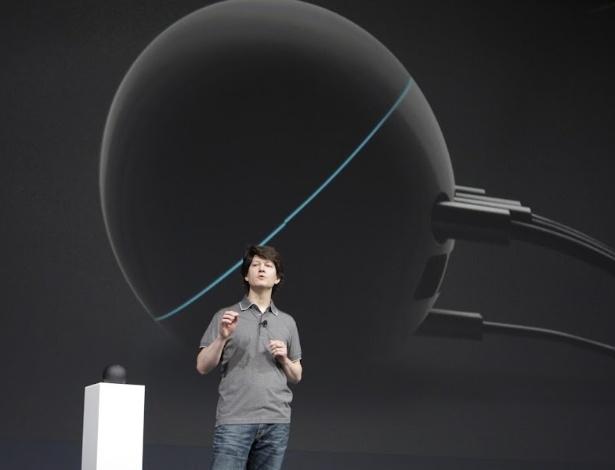 """O Nexus Q é um Media player """"social"""" em formato semelhante a uma pequena bola, que usa sistema Android Ice Cream Sandwich, tem 16 GB de memória interna e 1 GB de RAM"""