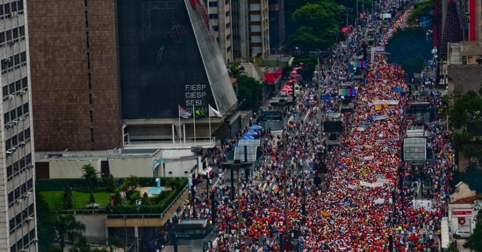 28.jun.2012 - Imagem mostra largada da 86º São Silvestre, em São Paulo; população da região Sudeste representa 42,1% da população total brasileira