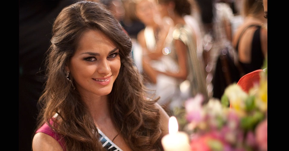 28.jun.2012 - Olesya Stefanko representou a Ucr&#226;nia no Miss Universo 2011, disputado em S&#227;o Paulo, e ficou no segundo lugar. Em primeiro ficou a angolana Leila Lopes