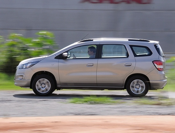 Chevrolet Spin LTZ: sua versatilidade &#233; um fato e seu pre&#231;o &#233; matador; &#233; isso que voc&#234; quer? 
