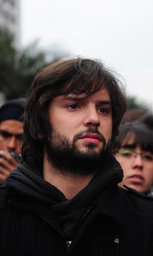 28.jun.2012 - O líder estudantil Gabriel Boric participa de uma nova manifestação de estudantes chilenos realizada nesta quinta-feira (28), em Santiago. Segundo agências internacionais, milhares de estudantes protestavam contra o governo e por mudanças no sistema público de ensino