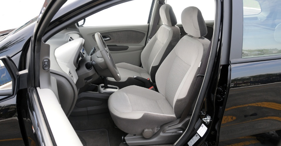 Posição de dirigir é adequada, mas volante não tem regulagem de profundidade