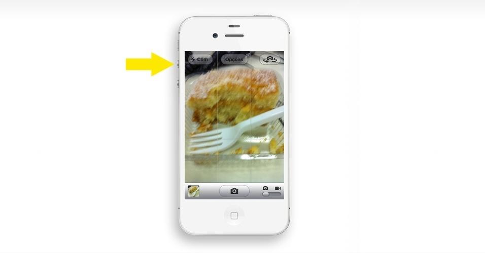 Tire foto usando o botão + de volume. Além do botão virtual na tela do iPhone, quem usa iOS 5 pode tirar fotos usando o botão de aumentar o volume