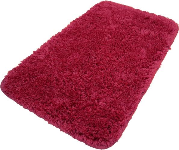 Antiderrapante, o tapete da Zelo (www.zelo.com.br) é fabricado em microfibra de poliéster. Por R$ 25,90 (40 x 60 cm). Preços pesquisados em junho de 2012 e sujeitos a alterações