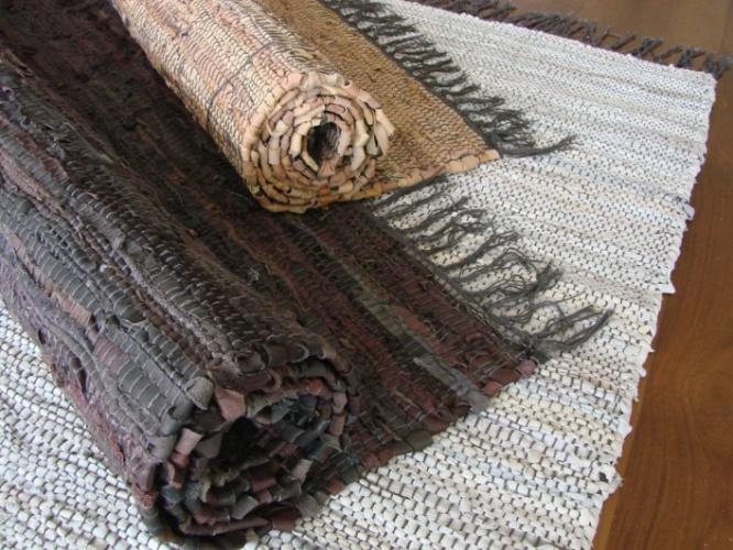 De couro, o tapete Punjab mede 1,2 x 1,8 m e custa R$ 330 na Espaço Til (www.espacotil.com.br). Preços pesquisados em junho de 2012 e sujeitos a alterações