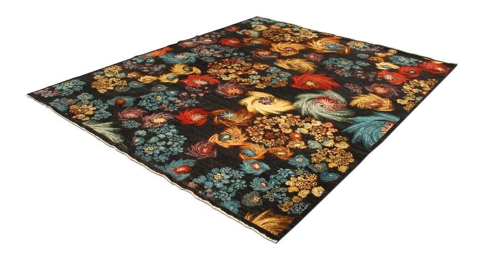 De origem indiana, o tapete Caruso é produzido em lã (80%) e algodão (20%). O m² sai por R$ 3.000, na By Kamy (www.bykamy.com). Preços pesquisados em junho de 2012 e sujeitos a alterações