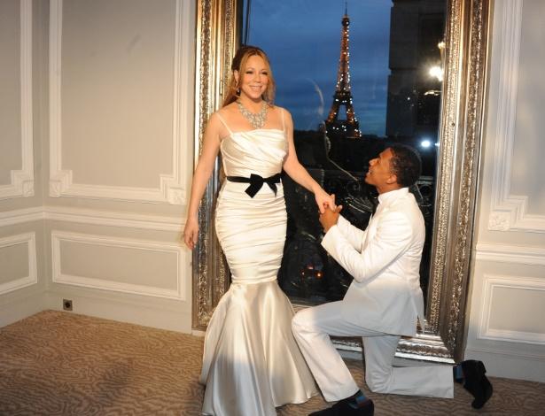 Mariah Carey e Nick Cannon renovam os votos em Paris, na França (27.04.2012)