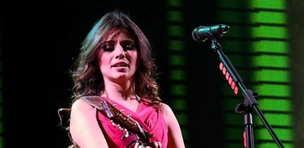 Paula Fernandes faz show e abusa dos figurinos variados, em São Paulo (28/6/12)