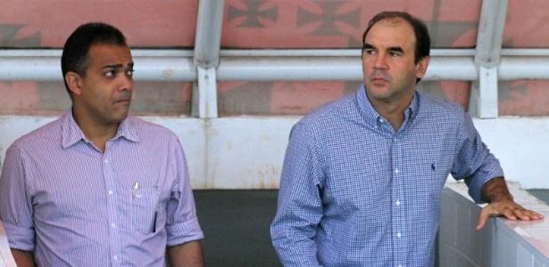 Técnico Ricardo Gomes observa treinamento de jogadores do vasco em São Januário (29/06/2012)