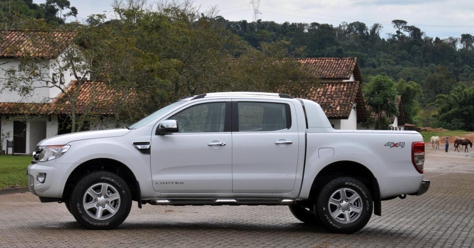 À imprensa brasileira, a Ford preferiu dar ênfase na versão top a diesel, a Limited 3.2 4x4, que você vê nas fotos