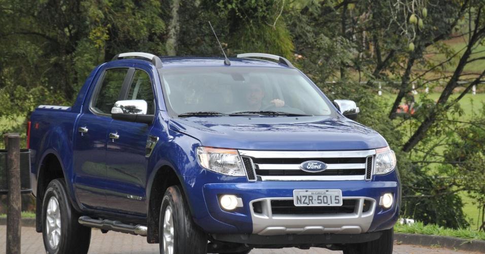 Para esta versão topo de gama, a Ford mostrou cuidado para dar uma cara aventureira à picape