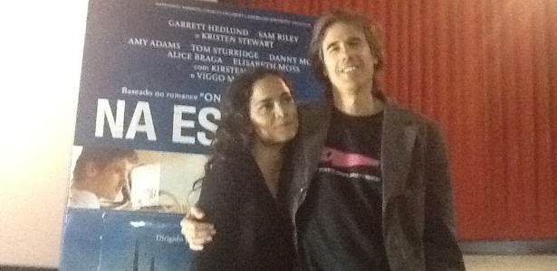 """Alice Braga e Walter Salles na entrevista coletiva de """"Na Estrada"""" (2/7/12)"""