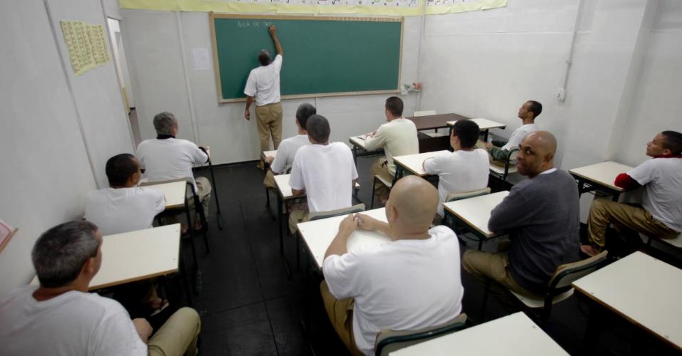 Sala de aula no pavilhão educacional da Penitenciária 1 de Serra Azul