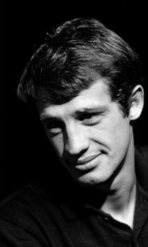A foto em preto e branco de Jean-Paul Belmondo está na exposição com imagens do estúdio Harcourt (3/7/12)