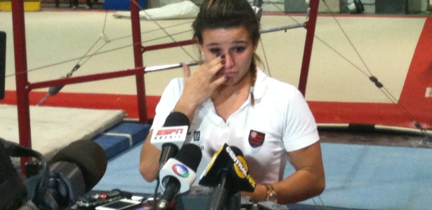 Jade Barbosa chora ao falar de sonho olímpico: 'esperança é a última que morre'