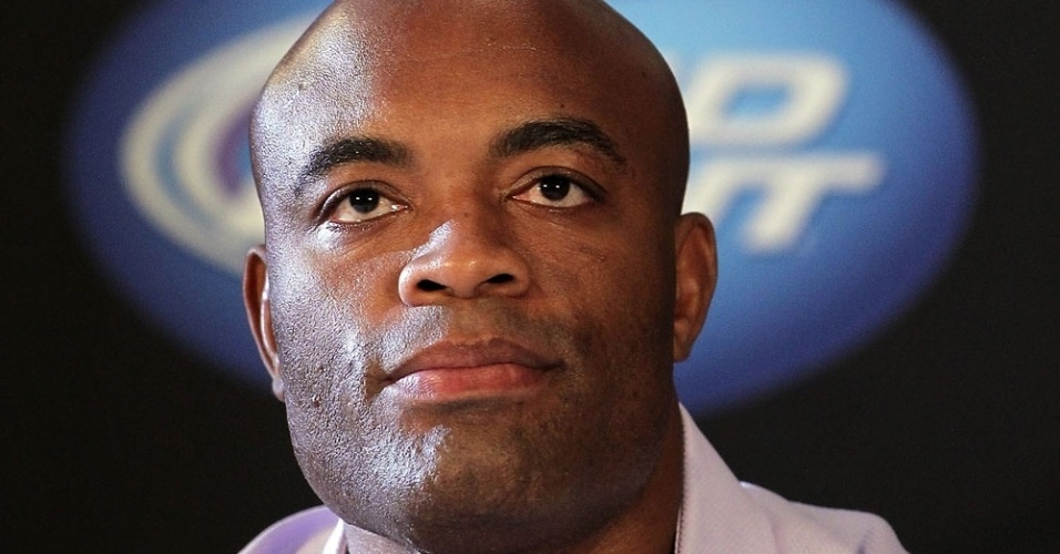 Anderson Silva foi mais sereno nas repostas, mas prometeu que Sonnen no passa do primeiro round