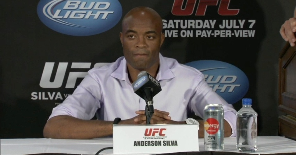 Anderson Silva prometeu tentar acabar a luta no primeiro round e disse que vai bater em Sonnen at o norte-americano desistir