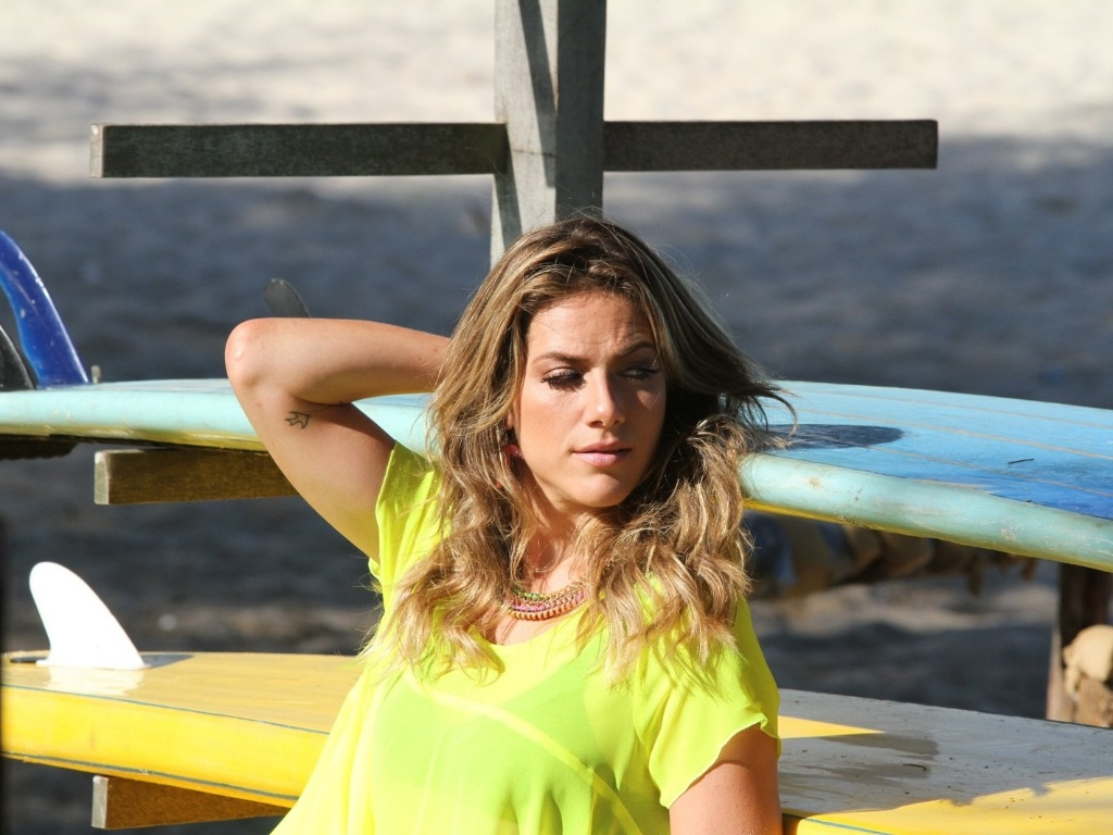 Após se separar do ator Bruno Gagliasso, a atriz Giovanna Ewbank faz ensaio fotográfico no Rio (3/7/12). Os atores se casaram em março de 2010, em uma cerimônia realizada em Itaipava, na região serrana do Rio de Janeiro