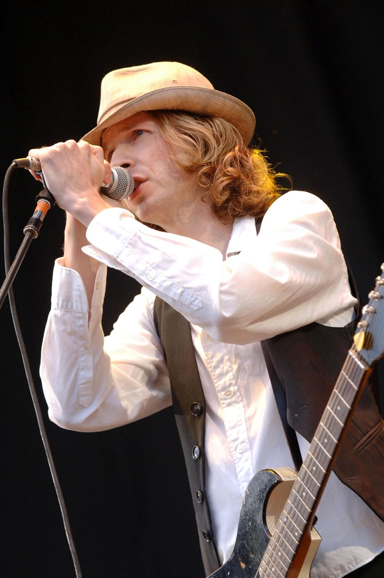 O cantor Beck Hansen