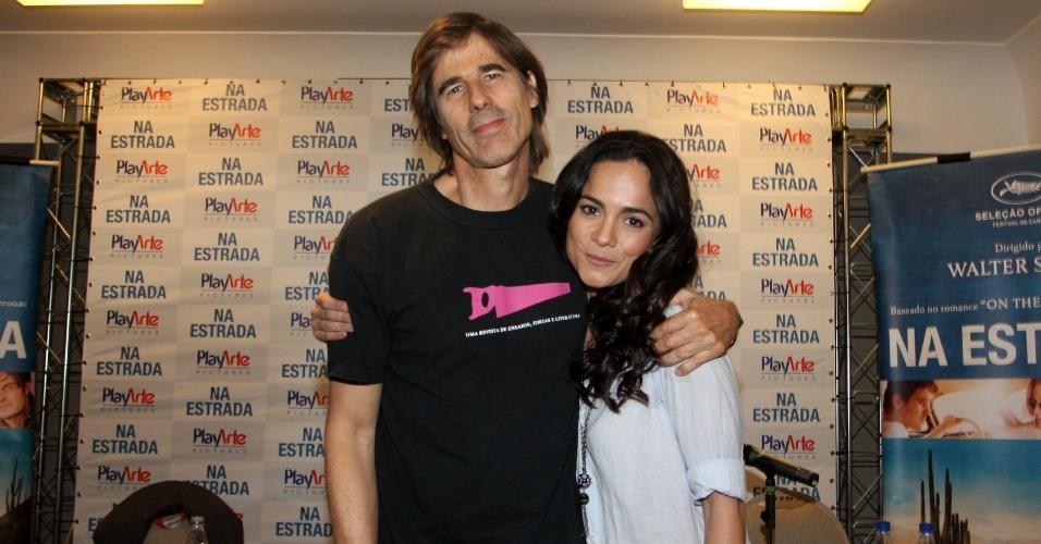 """O cineasta Walter Salles e a atriz Alice Braga participaram nesta terça de uma coletiva para promoverem o filme """"Na Estrada"""" (3/7/12)"""