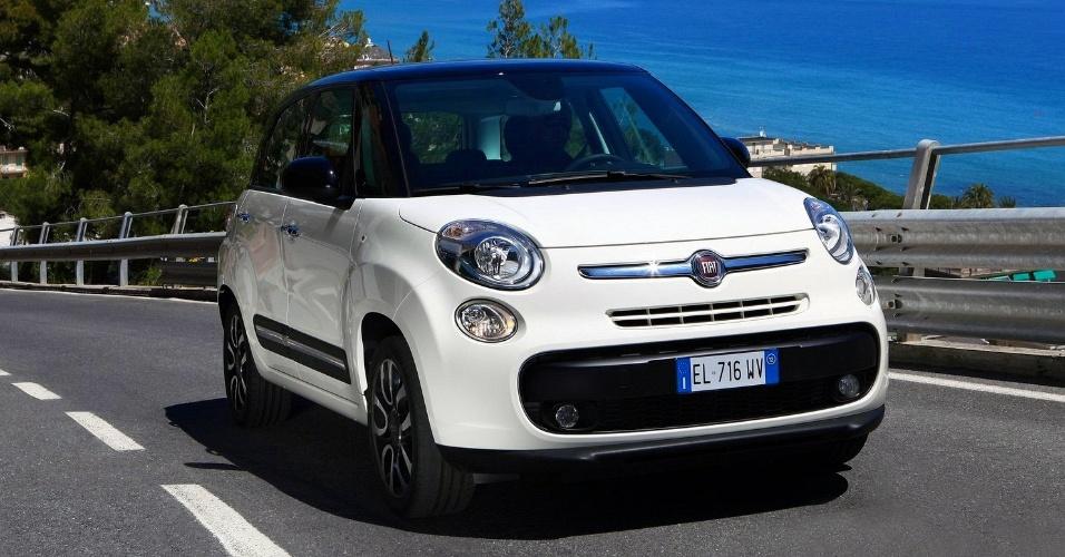 """Durante o Salão de Genebra, o CEO da Fiat, Oliver François, disse que ele era um """"cappuccino"""" frente ao 500, que seria um """"expresso"""""""