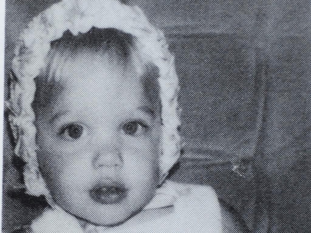 Atriz Angelina Jolie quando era um bebê