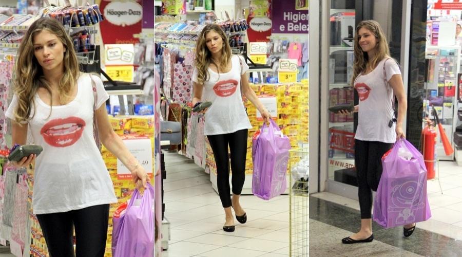 Grazi Massafera fez compras em um shopping da Barra da Tijuca, zona oeste do Rio (5/7/12)