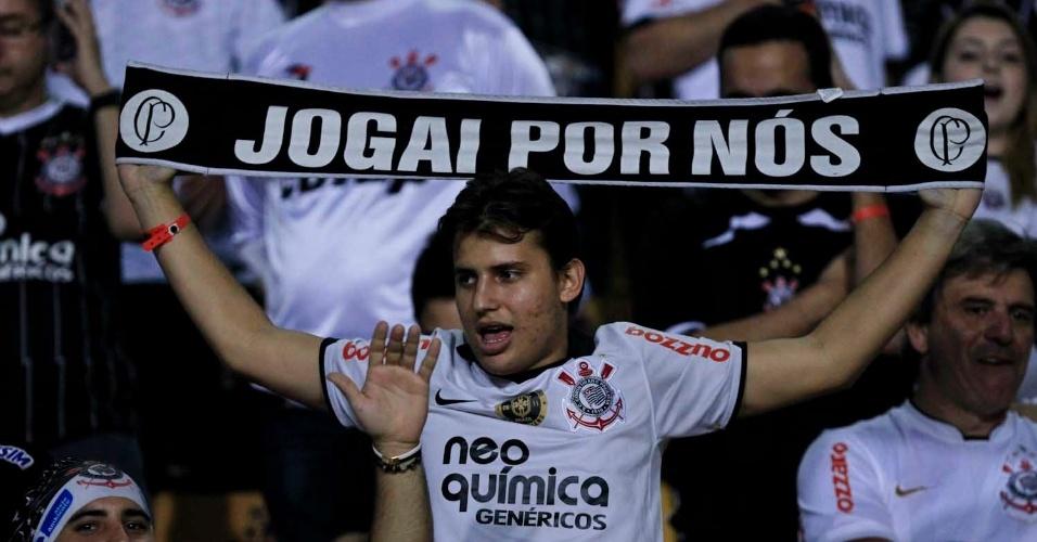 No Pacaembu, torcedores do Corinthians acompanham final da Libertadores contra o Boca Juniors