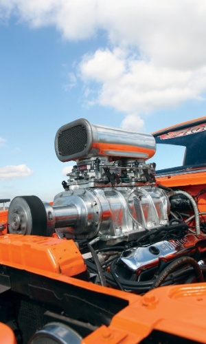 O motor original do Charger de Marcus Matheus era um V8 big block de 440 polegadas cúbicas, com potência máxima de 380 cv