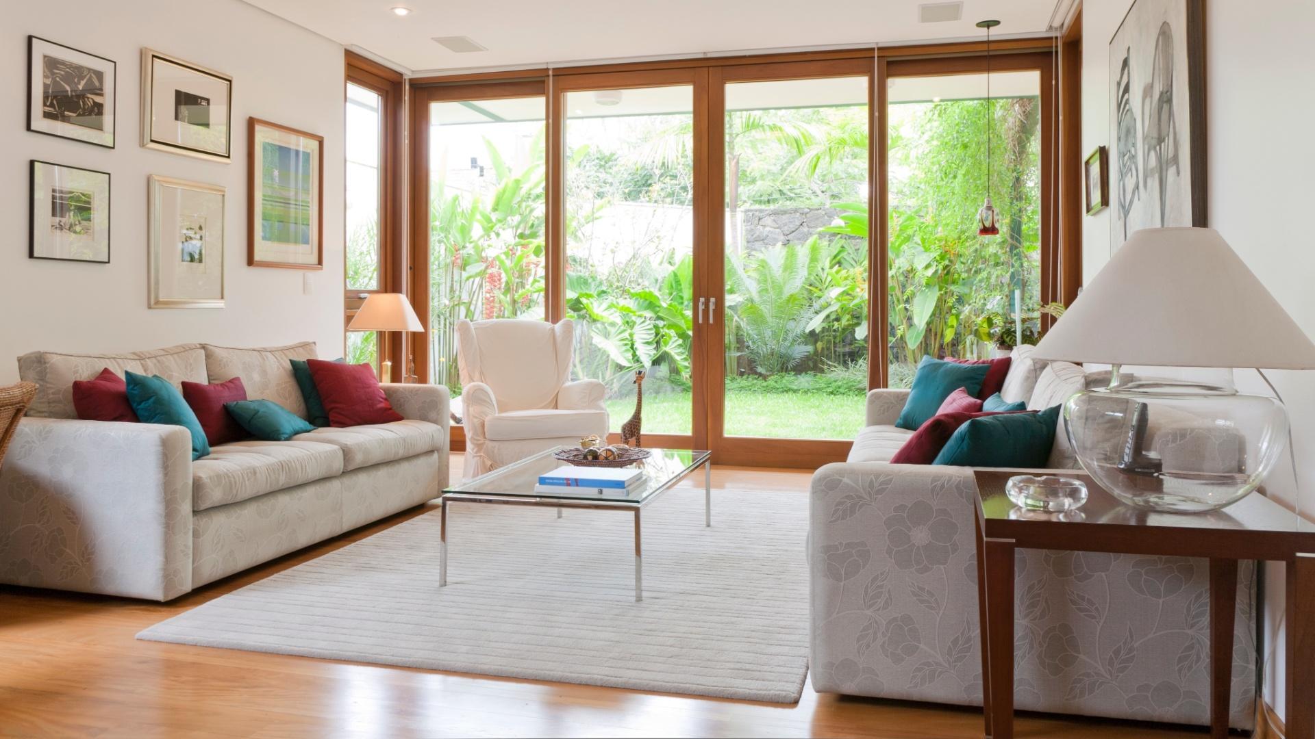 Salas de estar grandes casa e decora o uol mulher for Sala de estar tapete