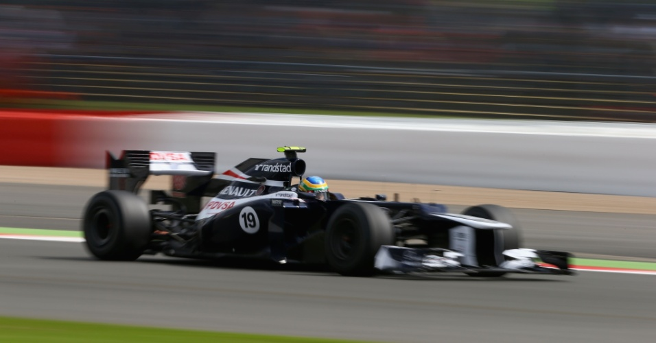 Brasileiro Bruno Senna, que compete pela Williams, acelera em Silverstone