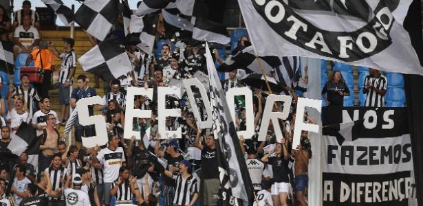 Botafogo se empolgou com Seedorf e lidera média de público entre times do Rio