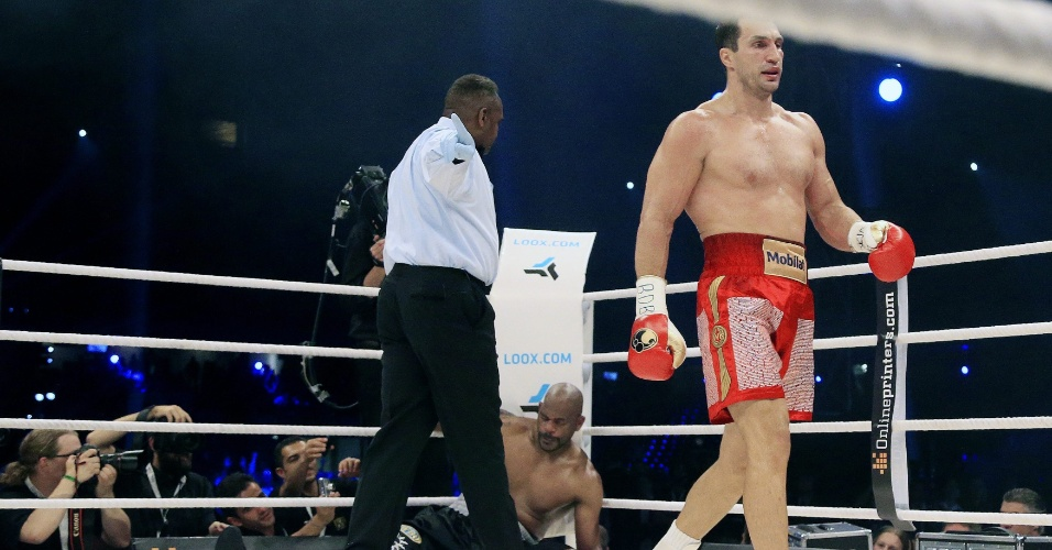 Wladimir Klitschko defende cintur&#227;o mundial dos pesados e vence Tony Thompson