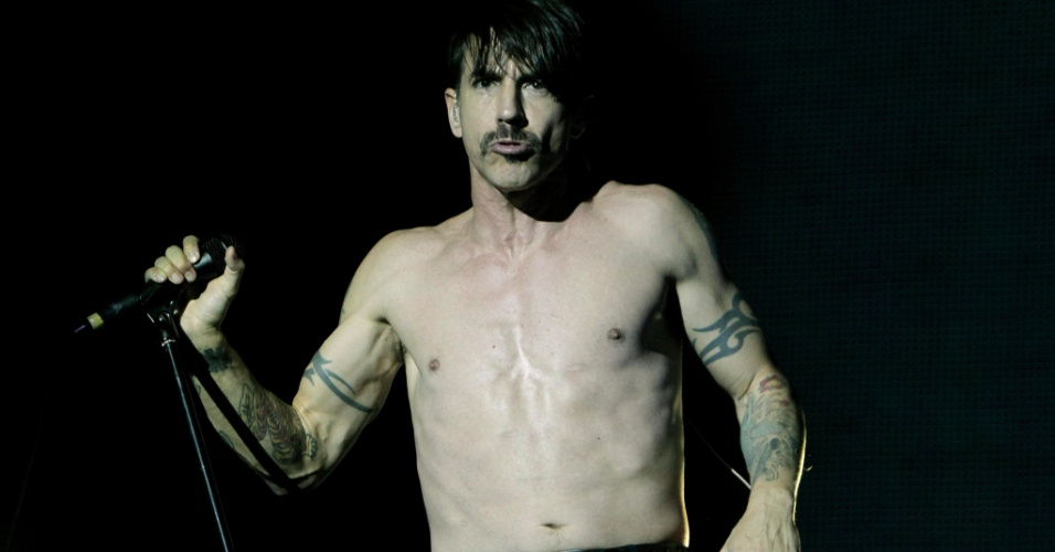 Anthony Kiedis do Red Hot Chili Peppers se apresenta na última noite do Rock In Rio Madri, na Espanha (7/7/12)