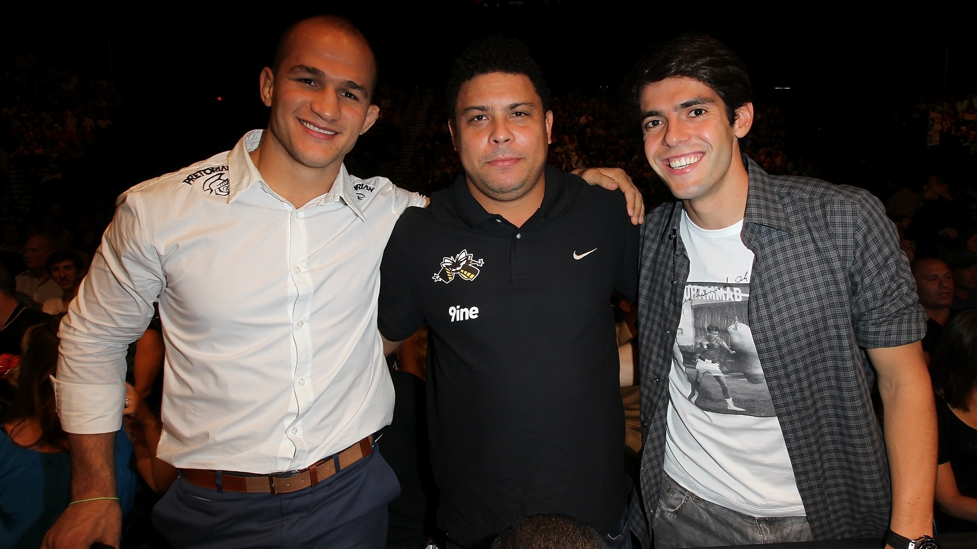 Junior Cigano, Ronaldo e Kak acompanharam a 10 defesa de cinturo de Anderson Silva 