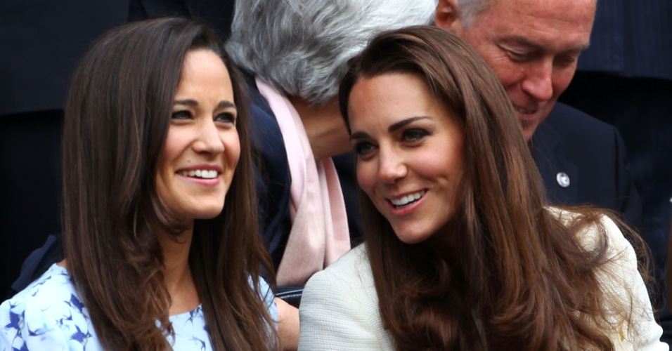 Kate e Pippa Middleton assistem a final do torneio de tênis de Wimbledom em Londres, Inglaterra (8/7/12)