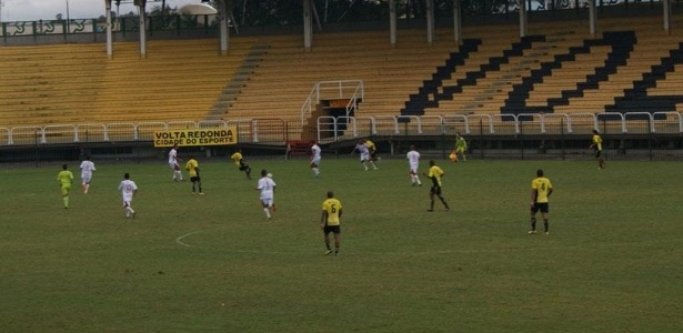 O estádio Raulino de Oliveira, na cidade de Volta Redonda, pode ser interditado