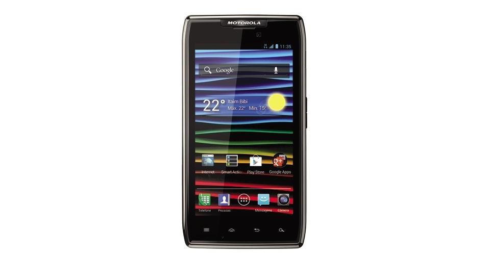 Smartphone Motorola Razr Maxx tem Android IceCream Sandwich e processador dual-core