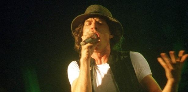 Mick Jagger canta no estádio do Pacaembu, em 1995