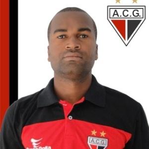 Reniê, jogador do Atlético-GO