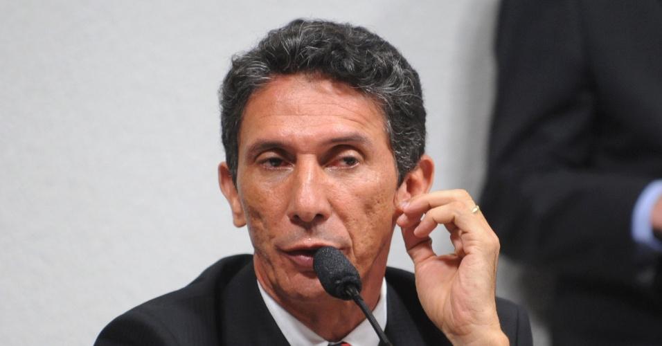 10.jul.2012- O prefeito de Palmas, Raul Filho (PT), depõe na CPI do Cachoeira