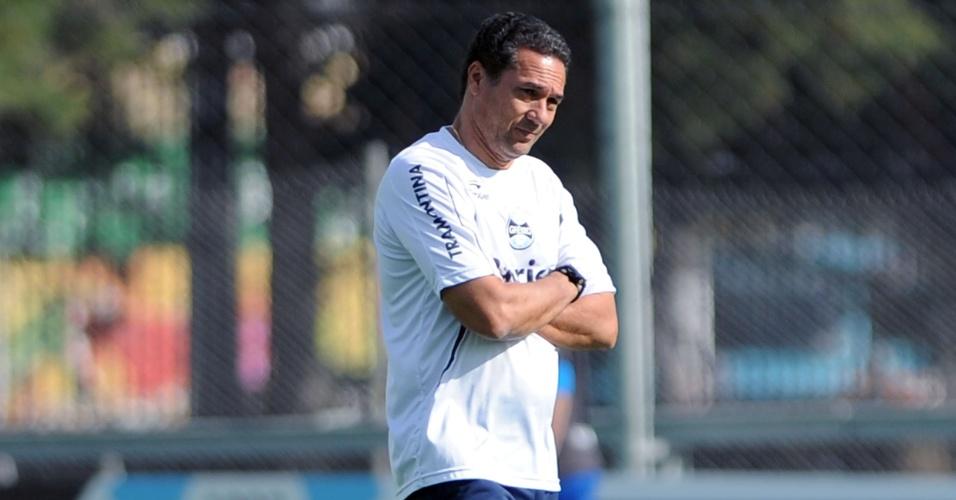 Vanderlei Luxemburgo comanda treinamento do Grêmio no Olímpico