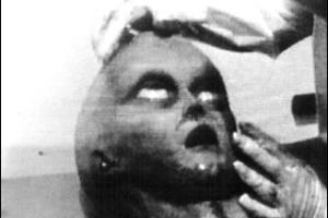 Cadáver de ET estaria dentro do óvni de Roswell